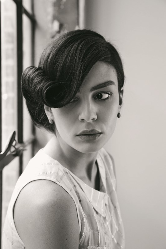 Picture Of diy retro 1940s inspired wedding hairstyle  1