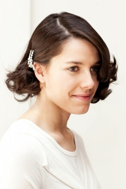 Diy Retro Gatsby Inspired Wedding Hairstyle For Short Locks