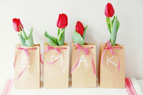 DIY Tulip Bulb Wedding Favors