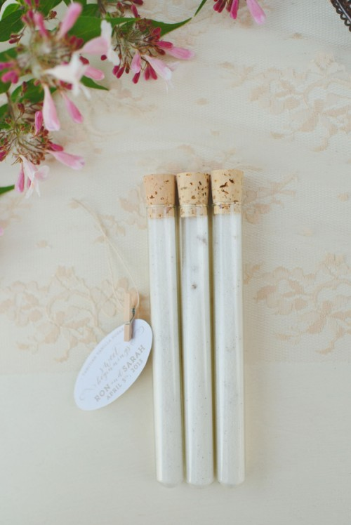 DIY Vanilla Sugar Wedding Favors