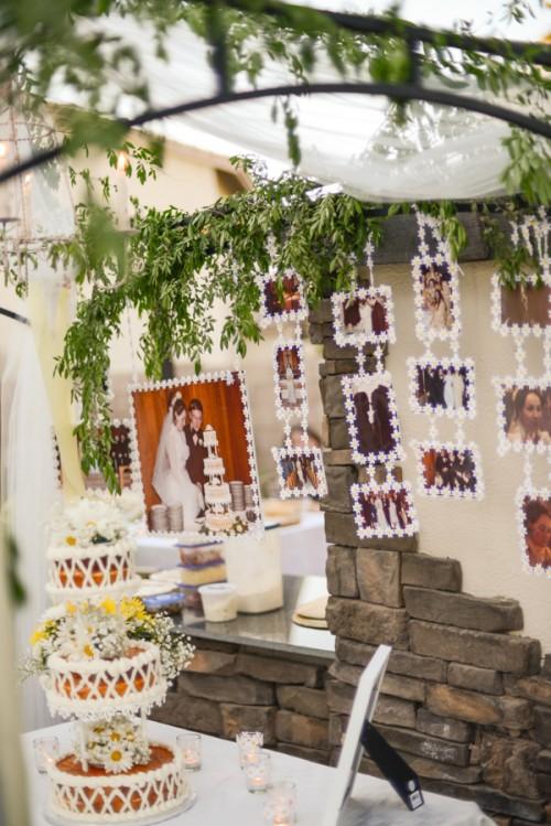 22 diy wedding backdrops you can easily make yourself weddingomania photo backdrop via tikkido solutioingenieria Image collections