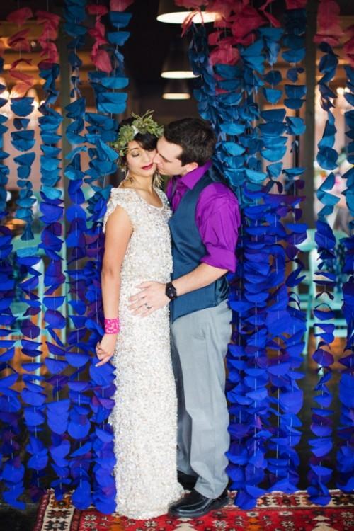 22 diy wedding backdrops you can easily make yourself weddingomania fabric circle backdrop via weddingomania solutioingenieria Images