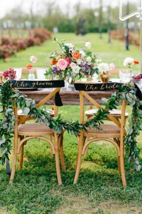 Dramatic And Elegant Black And Gold Wedding Decor Inspiration