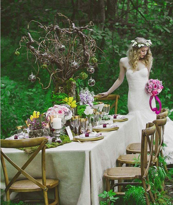 Picture Of Dreamy Woodland Wedding Table Decor Ideas 26