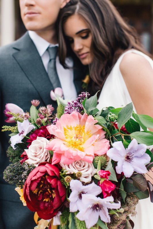 Picture Of earthy and elegant wedding inspiration  11