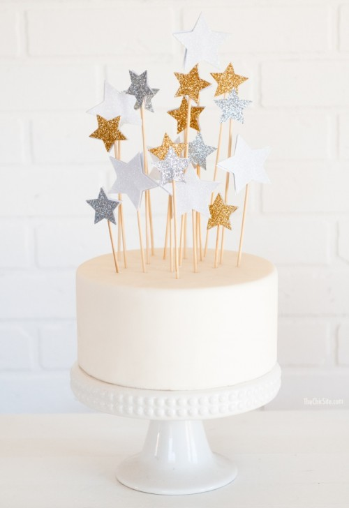 DIY Star Cake Toppers (via thechicsite)