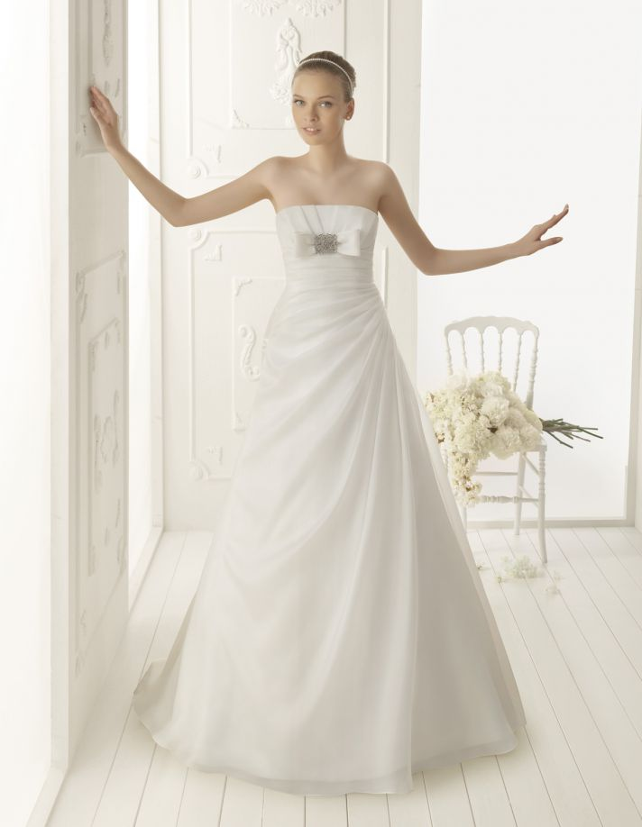 Picture Of Elegant And Simple Wedding Dresses By Aire