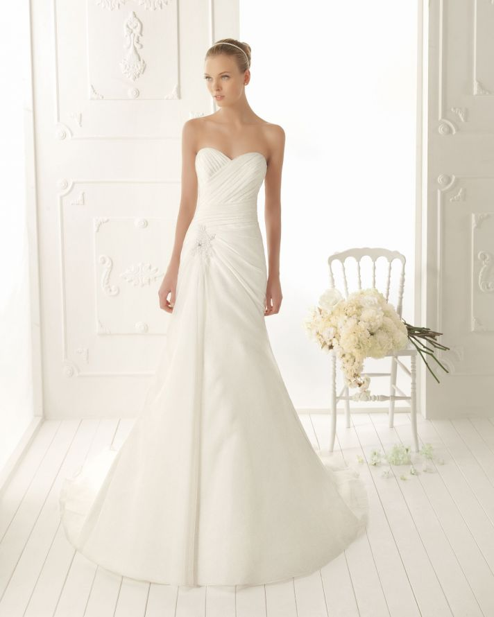 Wedding Dresses Simple And Elegant : Picture of elegant and simple wedding dresses by aire