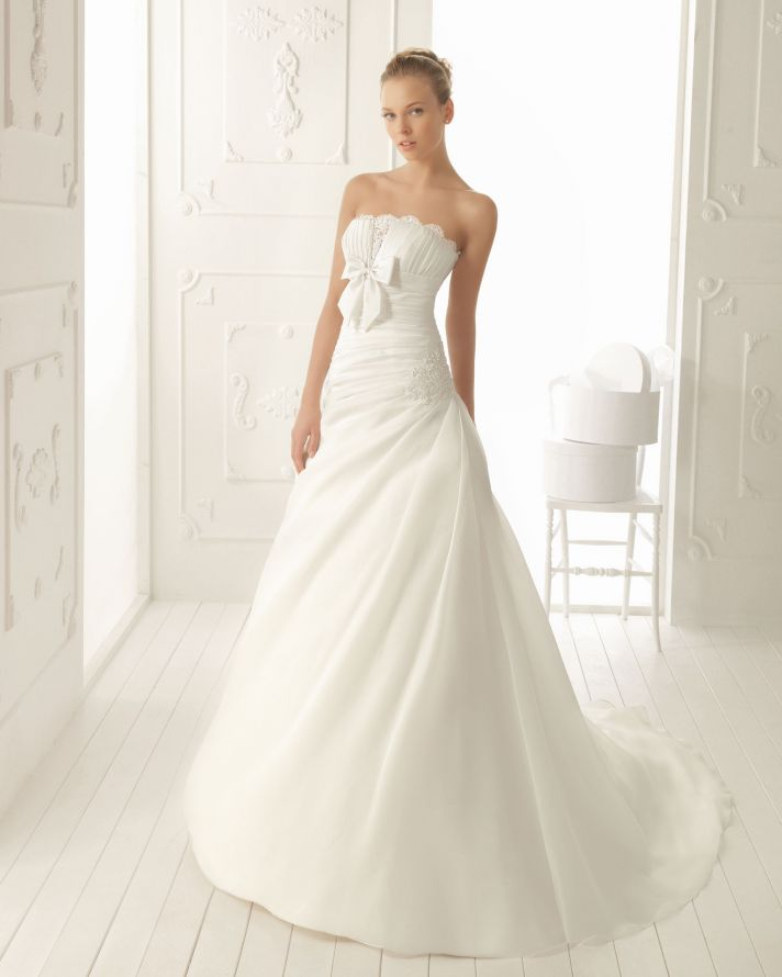 Picture of elegant and simple wedding dresses by aire for Simple elegant short wedding dresses