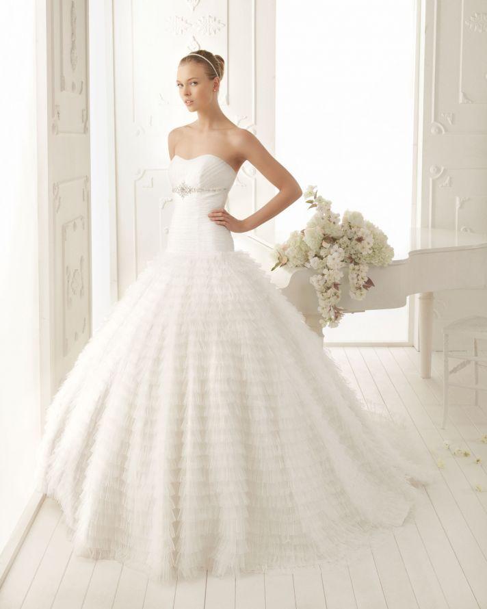 Wedding Dresses Simple And Elegant : Elegant and simple wedding dresses by aire barcelona