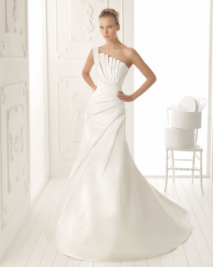 Elegant And Simple Wedding Dresses By Aire Barcelona - Weddingomania