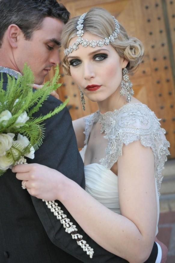 such an embellished headpiece will make your look both boho and art deco and you will be gorgeous