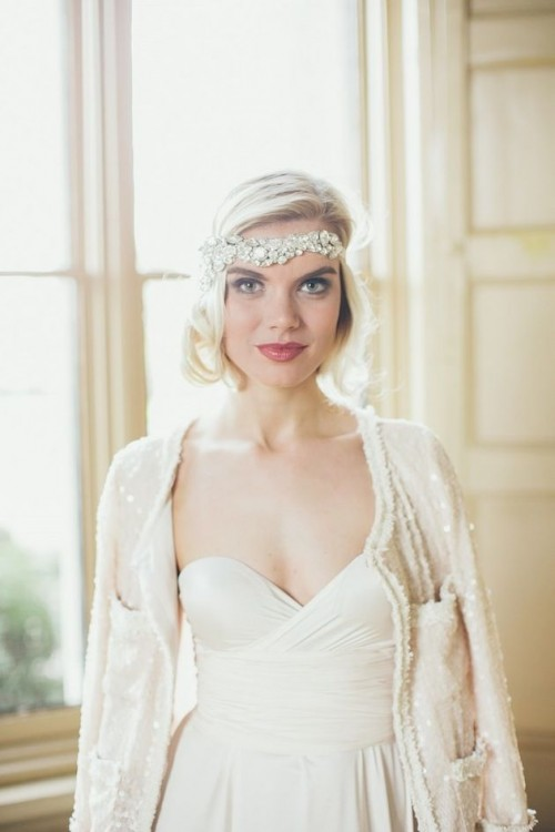 an art deco bridal headband with large rhinestones is a gorgeous idea for a vintage or art deco bride