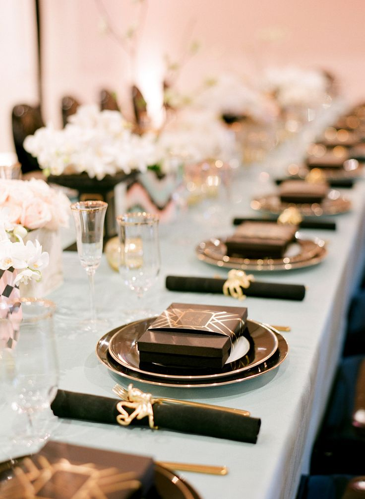 super elegant black and gold wedding ideas