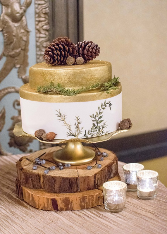 Picture Of elegant christmas themed wedding inspiration  12