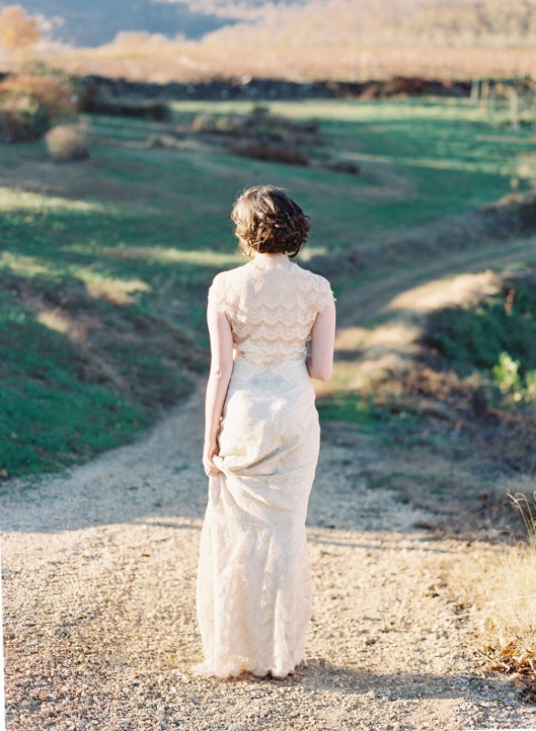 Picture Of elegant plum and gold autumn inspired wedding shoot  21
