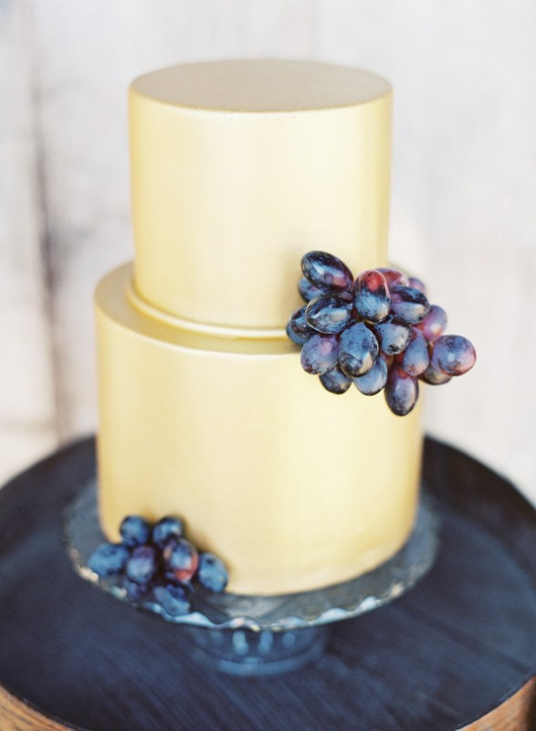 Picture Of elegant plum and gold autumn inspired wedding shoot  8