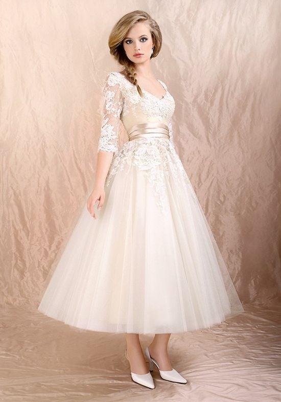 38 Elegant Retro Tea-Length Wedding Dresses - Weddingomania