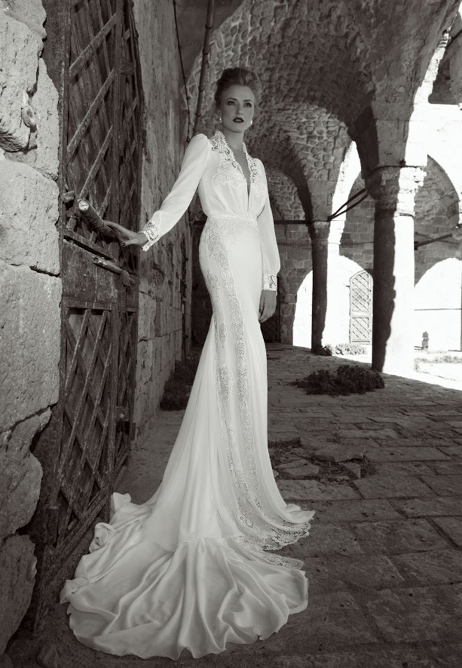 Elegance Of   Wedding Dresses : Elegant wedding dresses collection with lace and low cuts