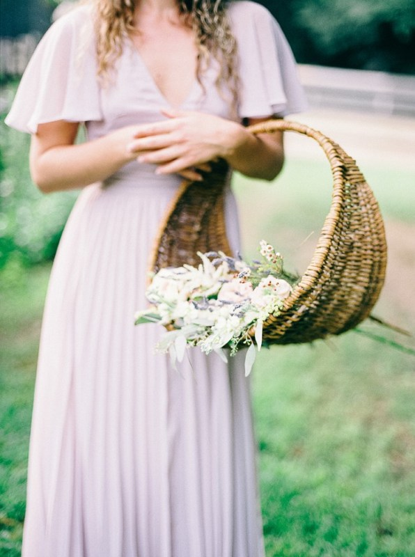 Picture Of enchanting bohemian equestrian styled shoot  1