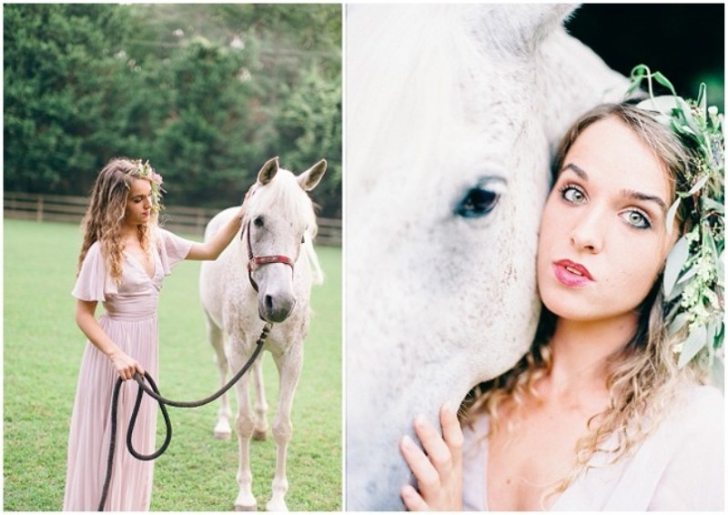 Picture Of enchanting bohemian equestrian styled shoot  9