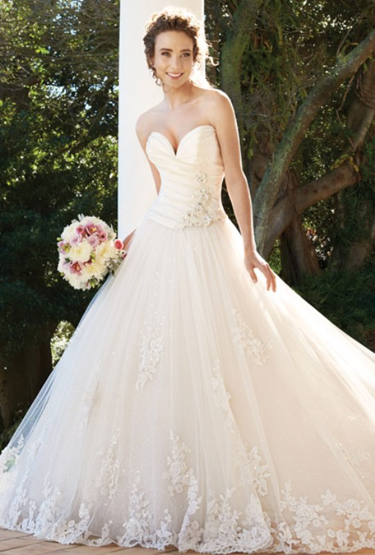 Picture Of enchanting classics 35 most gorgeous strapless wedding dresses  28