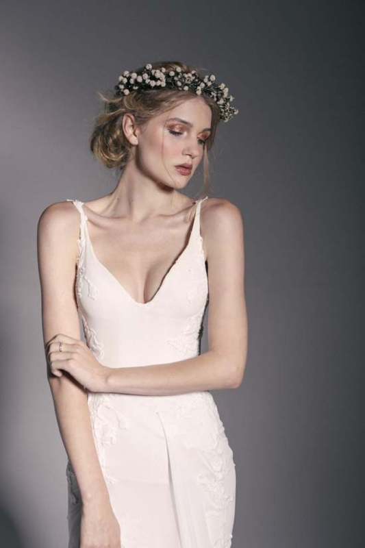 Picture Of enchanting crown of flowers fashion bridal inspiration  6
