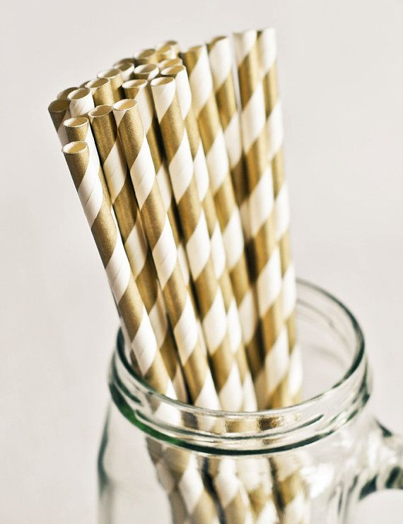 striped straws in gold and white will be small and pretty accents for your wedding