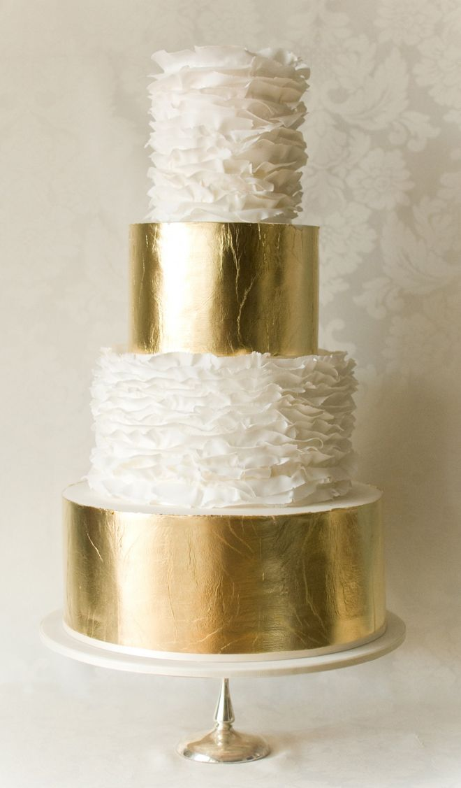 gold and white ruffle wedding cake of 4 tiers is a pretty glam idea for a modern and chic wedding
