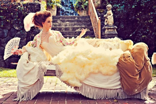 Exquisite Marie Antoinette Inspired Wedding Photo Shoot