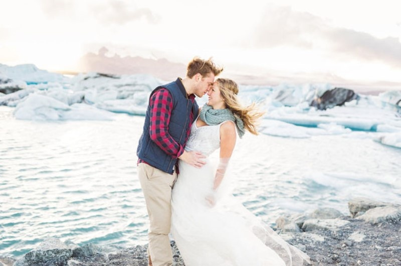 Picture Of extraordinary and stunning anniversary session in iceland  21