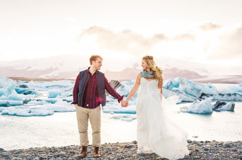 Picture Of extraordinary and stunning anniversary session in iceland  24