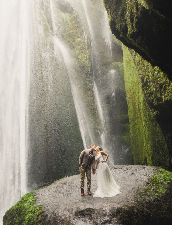 Picture Of extraordinary and stunning anniversary session in iceland  6