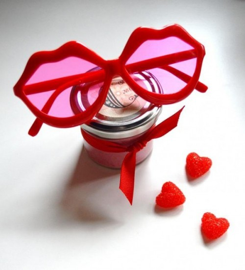 All Natural DIY Cranberry Lip Gloss For Bridesmaids