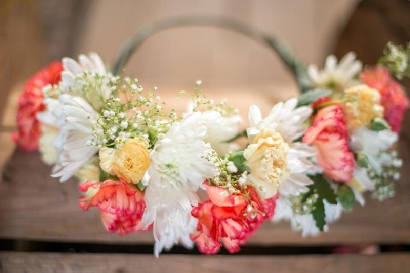 Picture Of fabulous diy bridal flower crown to rock this summer  3