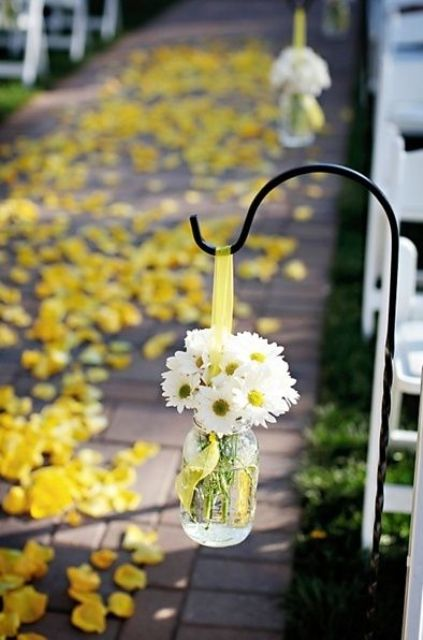 Picture Of fabulous spring wedding aisle decor ideas  15