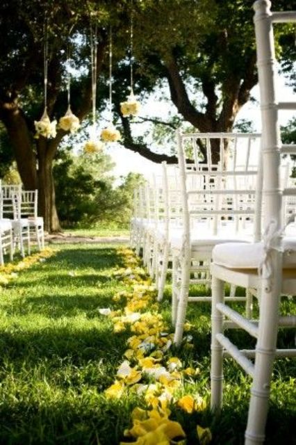 Picture Of fabulous spring wedding aisle decor ideas  21