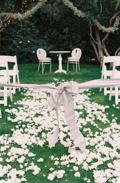Picture Of fabulous spring wedding aisle decor ideas  23
