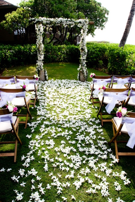 Picture Of fabulous spring wedding aisle decor ideas  6