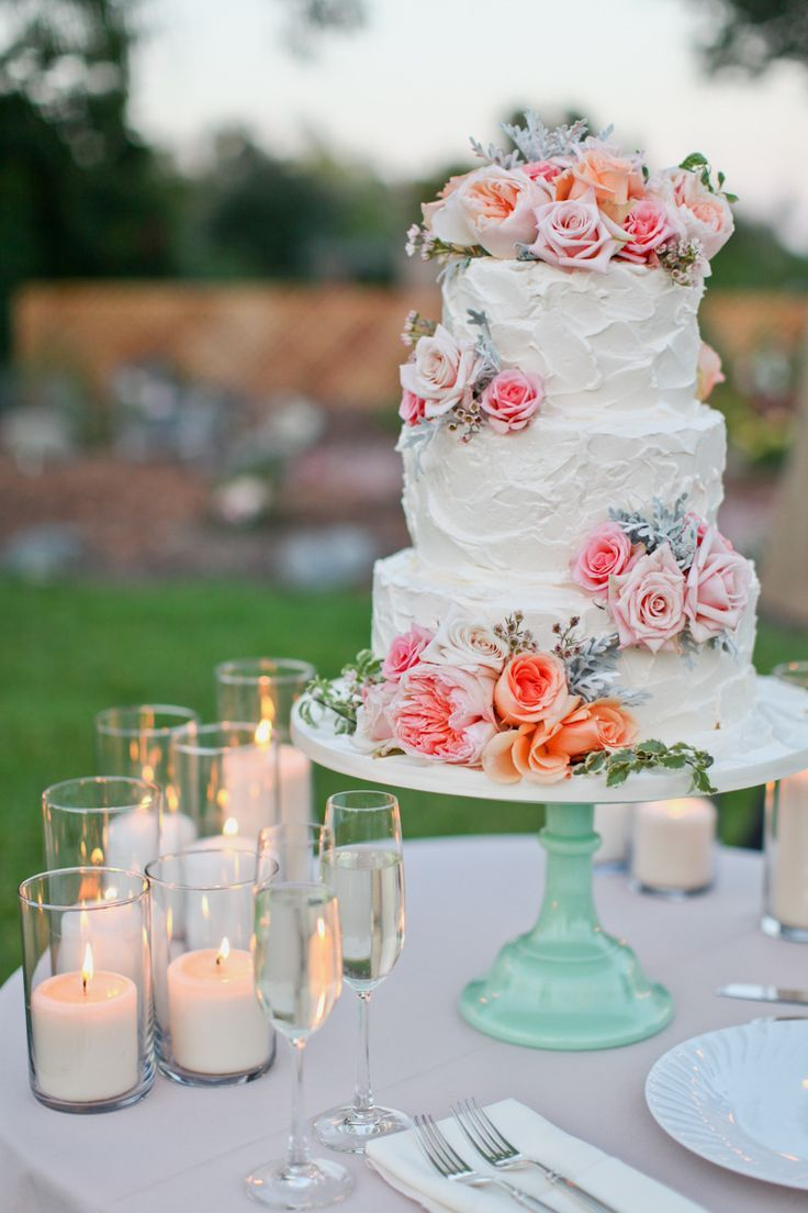 Picture Of fabulous spring wedding cakes that youll love  1