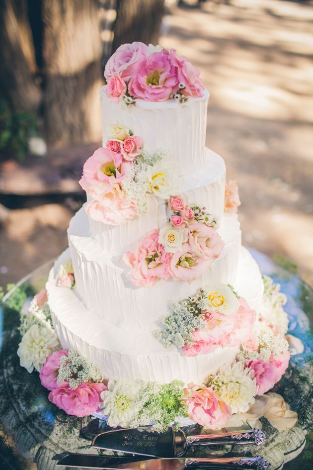 Picture Of fabulous spring wedding cakes that youll love  11
