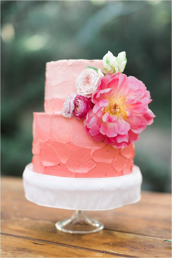 Picture Of fabulous spring wedding cakes that youll love  13
