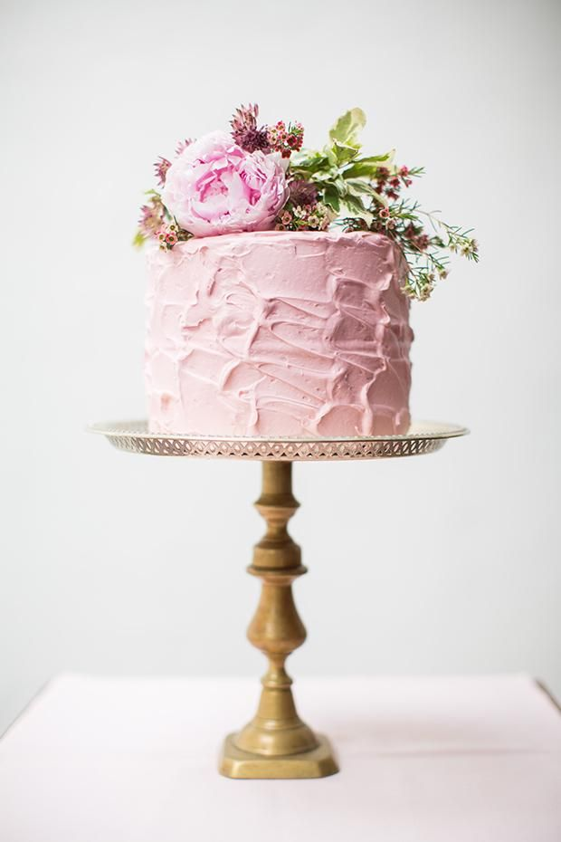 Picture Of fabulous spring wedding cakes that youll love  14