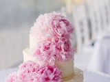 fabulous-spring-wedding-cakes-that-youll-love-16