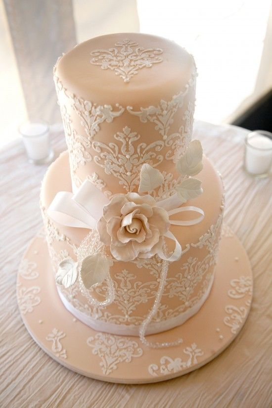 Picture Of fabulous spring wedding cakes that youll love  18