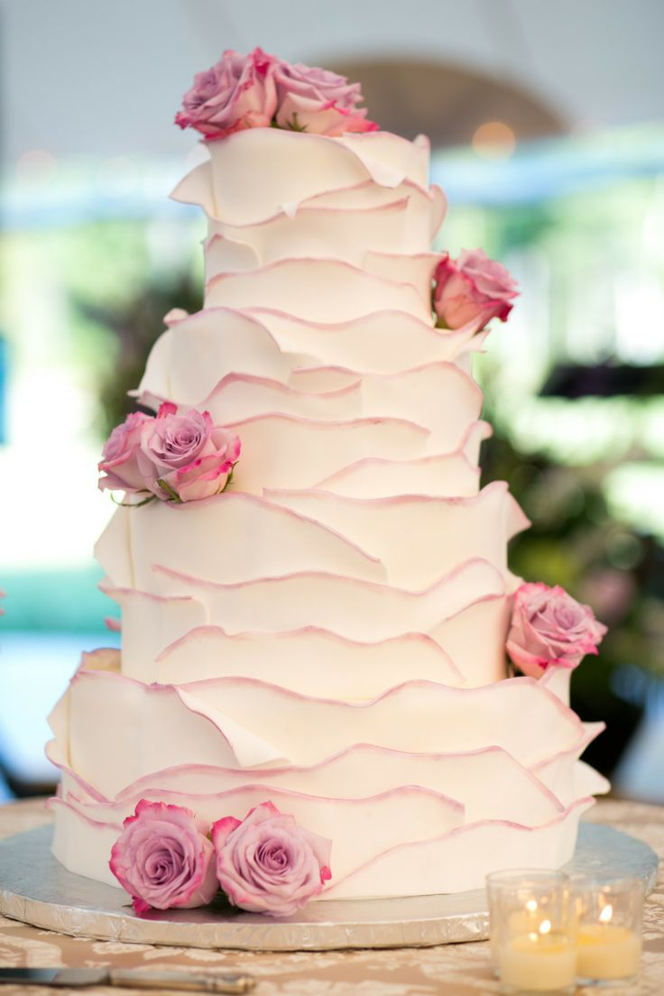 Picture Of fabulous spring wedding cakes that youll love  2