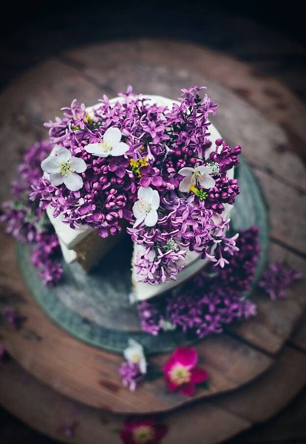 Picture Of fabulous spring wedding cakes that youll love  24