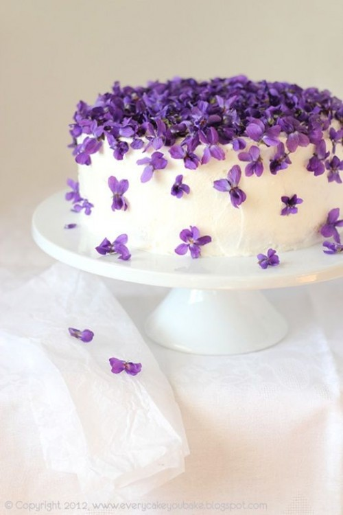 Fabulous Spring Wedding Cakes That You'll Love