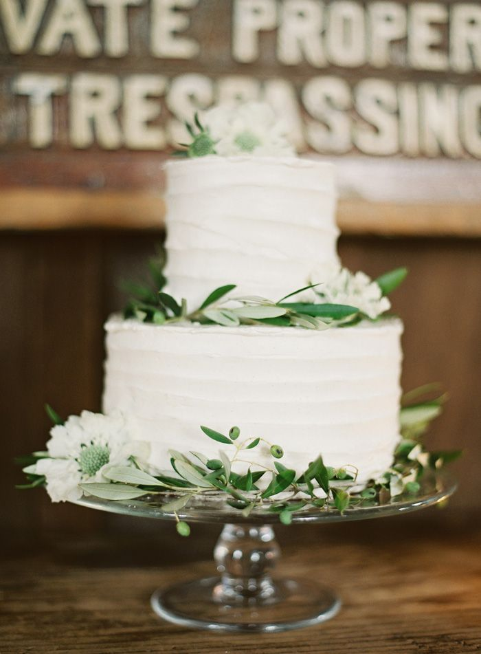 Picture Of fabulous spring wedding cakes that youll love  27