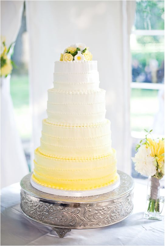Picture Of fabulous spring wedding cakes that youll love  29